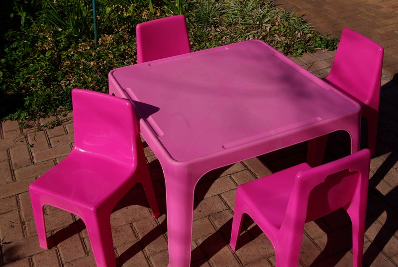 tables and chairs (pink) for party hire. Bloemfontein